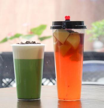 500/700 ml  Clear Plastic  Cold Drink Tumbler  Cups  With Flat Lids , Ideal for Cold Drink / Bubble Tea / Iced Coffee / Juice /